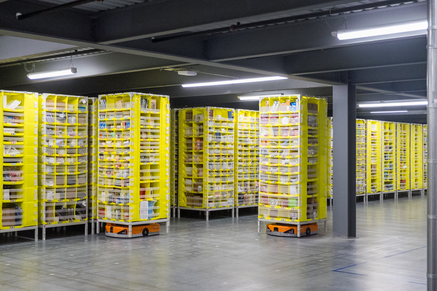 Oregon Business - PHOTOS: Amazon Robotics Fulfillment Center