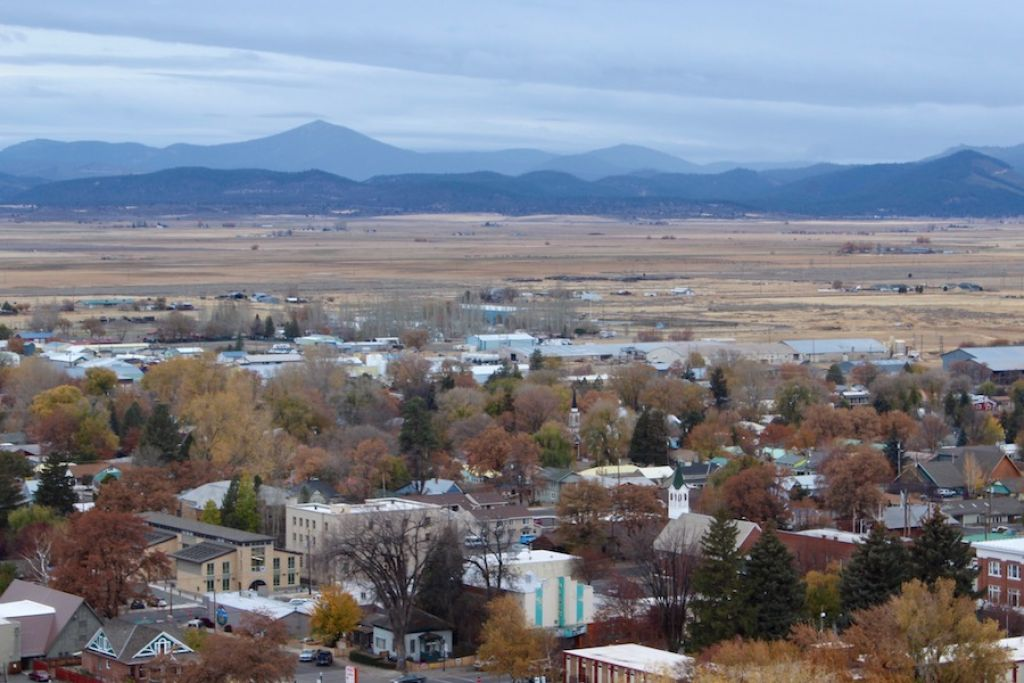oregon business rural county stakes future on renewable