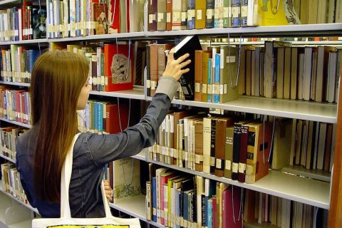 Rural libraries turning more to private sector for lifeline